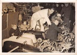 APPROCHE DE NOEL,POUR LES PETITSn  LES RAYONS DE JOUETS DES GRANDS MAGASINS - Automobiles