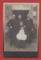 Photo  -  Famille Début 1900 - Anciennes (Av. 1900)