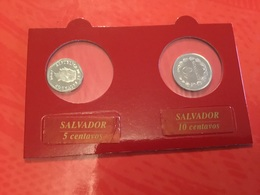 Lot De 2 Pièces  Salvador  Voir Le Scan - Monete & Banconote