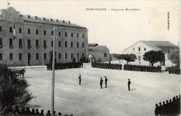 CORSE - BONIFACIO - Revue Militaire Dans La Cour De La Caserne Montlaur - Bastia
