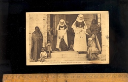 En Asie : Soeurs Franciscaines De Sainte Marie Des Anges Au Dispensaire / Médecine Infirmières Infirmière Nurses - Postcards