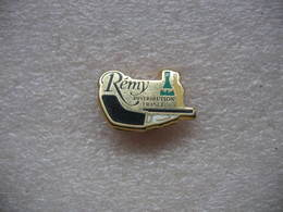 Pin's Du Distributeur De Boissons REMY - Beverages