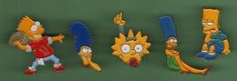 FAMILLE SIMPSON *** Lot De 5 Pin's Differents *** 0010 - Comics