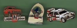 LADA *** Lot De 3 Pin's Differents *** 0011 - Badges