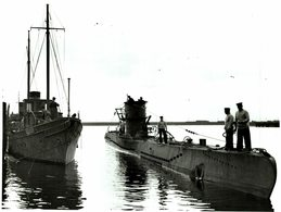 HMS GRAPH U BOAT   21 * 27 Cm Navio De Guerra - Warship -  Kriegsschiff  GUERRE - Barcos