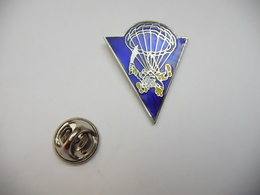 Beau Pin's En EGF , Para , Parachutisme , Manque 1 Pointe - Parachutting