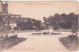 CPA -  TROYES - Le Jardin De La Préfecture - Troyes