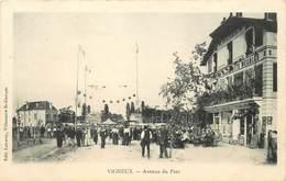 VIGNEUX SUR SEINE - Avenue Du Parc Jour De Fête. - Vigneux Sur Seine