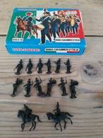 Figurines/ ATLANTIC / BANDA CARABINIERI D'ITALIA / SCALA HO / 16 PIECES + Boîte D'origine - Années 70 - Army