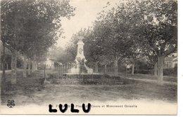 DEPT 83 : édit. M T I L N° 19 : Fréjus Place Du Cours Et Monument Grisolle - Frejus