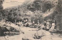 Martinique - Fort De France - Les Blanchisseuses A La Riviere Madame , N° 4 Henri Conge - Fort De France