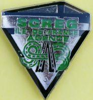 BB 815..ENGINS DE : LEVAGE / TERRASSEMENT/ TRAVAUX PUBLICS /........SCREG....AGENCE 93 - Pin's