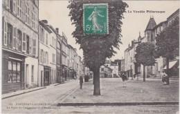 Bn - Cpa FONTENAY LE COMTE - La Place Du Commerce Et La Poissonnerie - Fontenay Le Comte