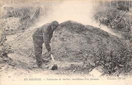 FABRICATION DU CHARBON- SURVEILLANCE D'UN FOURNEAU ,  EN SOLOGNE- - Mines