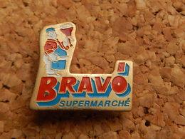 Pin's - SUPERMARCHE BRAVO - Food