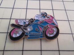 PIN812F Pin's Pins / Rare Et Beau : MOTO SPORTIVE ROSE ET BLEUE - Motorbikes