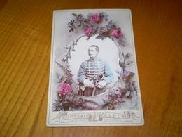 Photo Cabinet Rehaussée Militaire, 3 Sur Le Col; Photo Laveuve à Verdun - Army & War