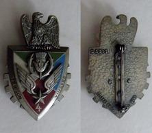Insigne Du 4 Rgt D'Hélicoptères.Commandement Et Manoeuvre - Army