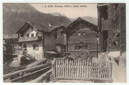 Suisse // Schweiz // Switzerland //  Valais // Val D'Hérens //  Evolène,Vieux Chalets - VS Valais