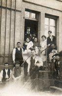 CPA- LAVELINE-devant-BRUYERES (88) -Carte-Photo: Conscrits Devant Un Café En Compagnie De La Serveuse Et Du Patron- 1913 - Autres Communes