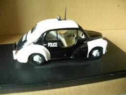 RENAULT 4CV - POLICE  Modèle Réduit à 1/43e En Métal - Cars & 4-wheels