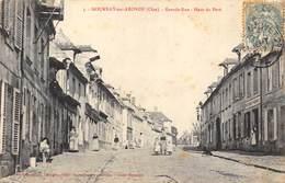 CPA 60 GOURNAY SUR ARONDE GRANDE RUE HAUT DU PAVE - France