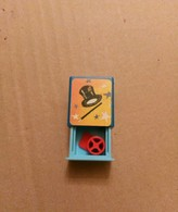 THE MAGICIAN ' S BOX/LA BOITE DU MAGICIEN - Unclassified