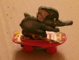 SKATE BOARD AND ELEPHANT,TROMPY - Altre Collezioni