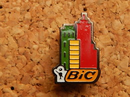Pin's - BIC - Marques
