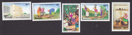 Kenya, Scott #616-620, Mint Hinged, Maendeleo Ya Wanawake Organization, Issued 1994 - Kenya (1963-...)
