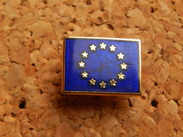 Pin's -  DRAPEAU EUROPE - Other