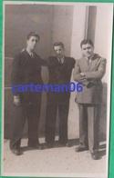 Egypte - Port Said - 3 Jeunes Hommes - Format 13.7 X 8.5 Cm - Places
