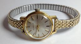 1950's Gubelin Matic Brevete 21 Rubis Ladies Gubelin Watch In 18KT (Requires Service): - Watches: Old