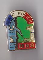 PIN'S  THEME POLICE   MONITEUR SAUVETEUR  USC  POLICE - Police