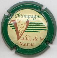 CAPSULE-CHAMPAGNE VALLEE DE LA MARNE N°14 Contour Vert Foncé - Vallée De La Marne