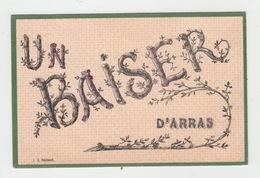 62 - ARRAS / UN BAISER D'ARRAS (carte Paillettes) - Arras