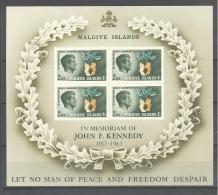 Maldive Islands / Malediven Michel # Block 3  **   John F. Kennedy - Maldives (1965-...)