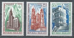 Madagascar YT N°452/454 Edifices Religieux Neuf ** - Madagascar (1960-...)