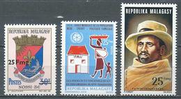 Madagascar YT N°540-541-542 Armoiries Surchargé - Population - Rainibetsimisaraka Neuf ** - Madagascar (1960-...)