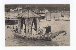 Combat Naval Fleuri De Villefranche Sur Mer. La Gondole Fleurie. (2688) - Villefranche-sur-Mer