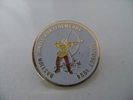 Pin's Tir à L'arc Archer Compagnie D'Arc BOUQUET 1994 BASTION-SENLIS-PORTE DE MEAUX Archerie Bouquet Cible EAF - Tiro Con L'Arco