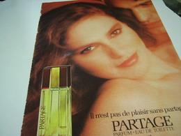 ANCIENNE AFFICHE  PUBLICITE PARFUM PARTAGE DE FABERGE 1980 - Parfums & Beauté