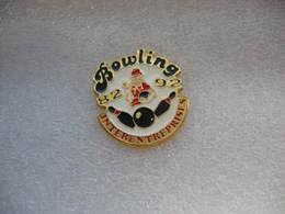 Pin's Des 10 Ans De Bowling Interentreprises: 1982-1992 - Bowling