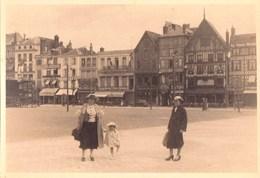 Belle Photo Amateur / Sur La Grand Place De Beauvais (60) Le 14 Uillet 1936 - Places