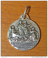 "Médaille Religieuse ""Saintes Maries De La Mer - Sainte Marie Et Ste Marie-Madeleine - Mary Magdalene"" - Religious Medal - Religión & Esoterismo"