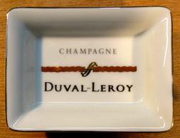 CENDRIER ( TORSADE ROUGE ) CHANPAGNE DUVAL LEROY / PORCELAINE DE LIMOGES FRANCE 76 MM X 56 MM - Ashtrays