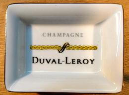 CENDRIER ( TORSADE JAUNE ) CHANPAGNE DUVAL LEROY / PORCELAINE DE LIMOGES FRANCE 76 MM X 56 MM - Ashtrays