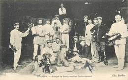 11 - COURSAN - GROUPE DE GENDARMES EN CANTONNEMENT - GENDARMERIE - RARE - édition; Bardou - France