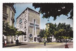 Algérie Mostaganem N°1556 Eglise Constructeur André Coron Vue De Côté En 1957 Gendarme Ou Policier Avec Bâton BUS - Mostaganem