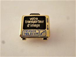 PINS  FRANCE TELECOM VOTRE TRANSPORTEUR D'IMAGE / Doré LOGO-MOTIV / 33NAT - France Telecom